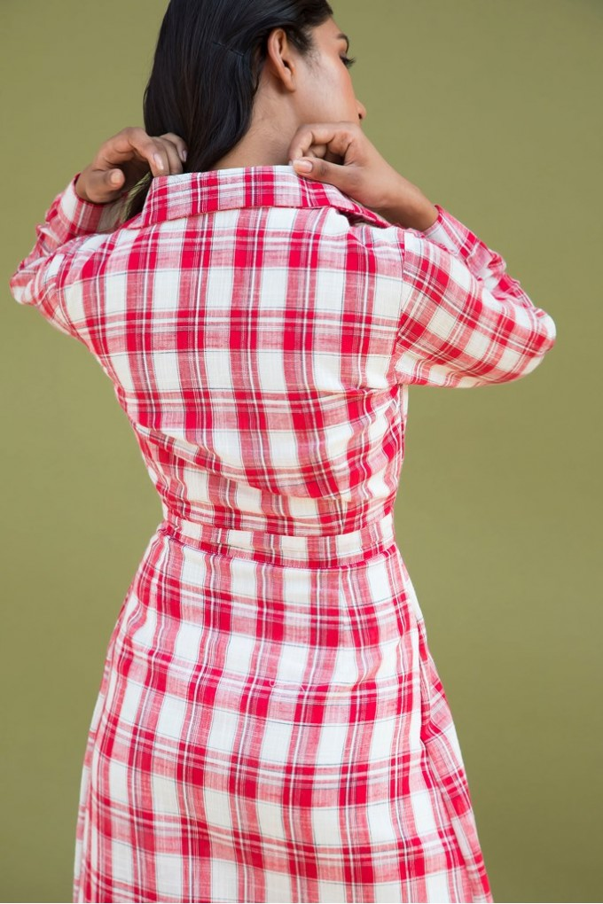 Long Tartan Checks Dress In Red And White With Slit
