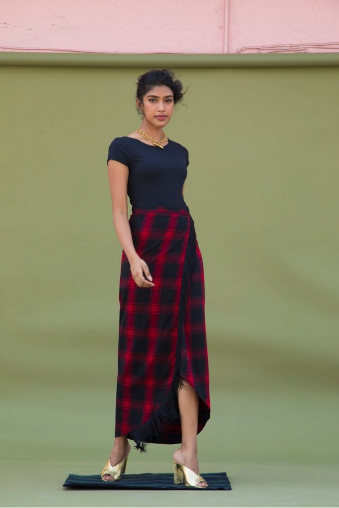 Red And Black Chequered Midi Skirt With Fringes
