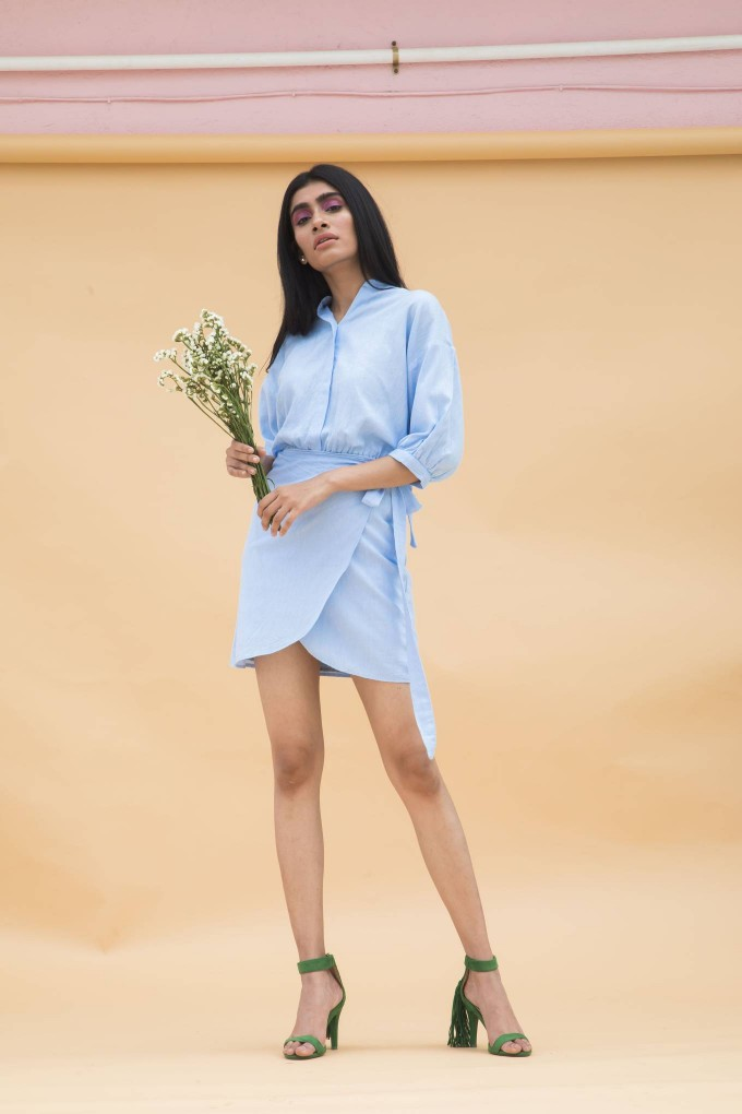 Chambray bubble sleeve overlap short dress with back embroidery