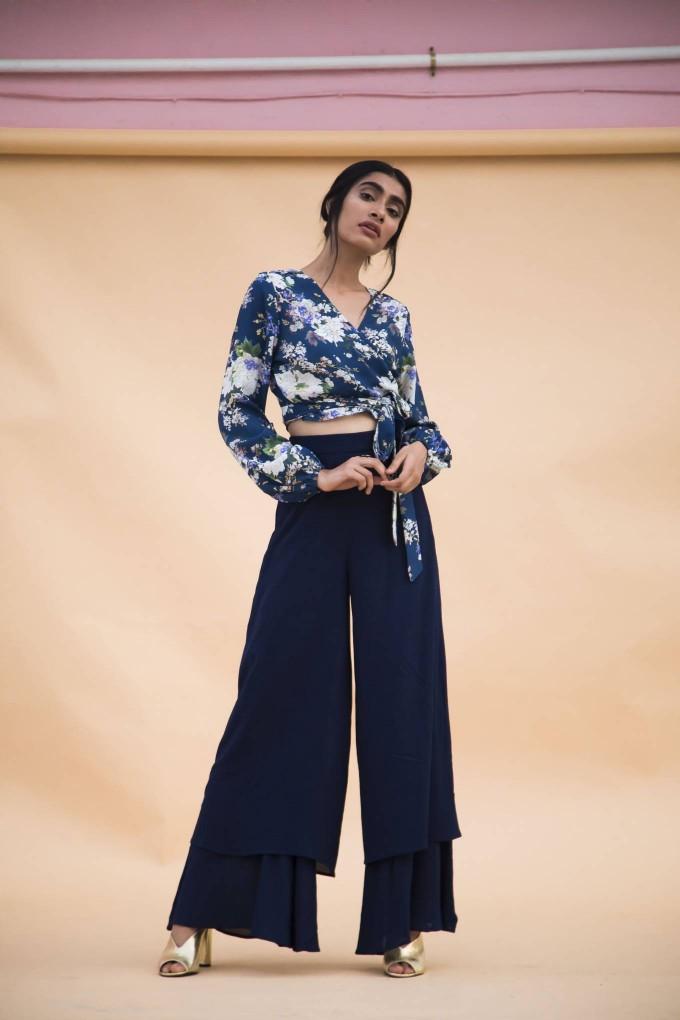 Blue crimpled pants