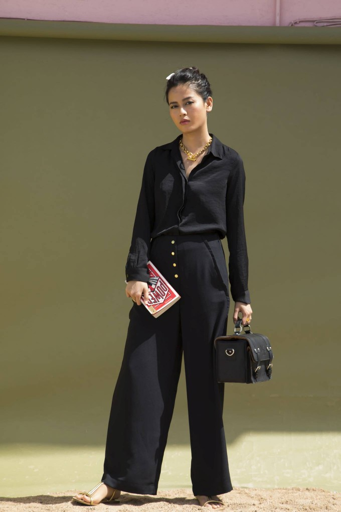 BLACK HIGH WAISTED LONG PANTS WITH GOLDEN BUTTONS DETAIL