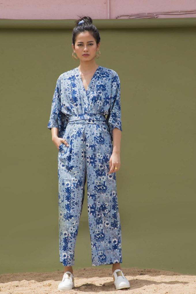 BLUE FLORAL PRINT KIMONO SLEEVE JUMPSUIT WITH BELT