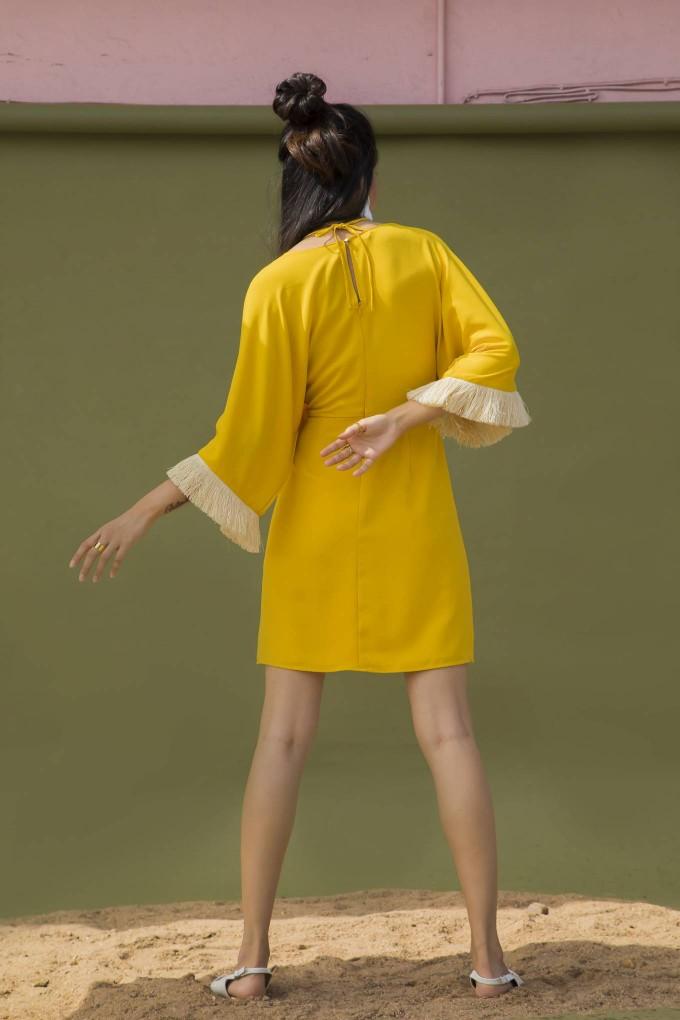 SHORT YELLOW DRESS WITH CREAM FRINGE LACE