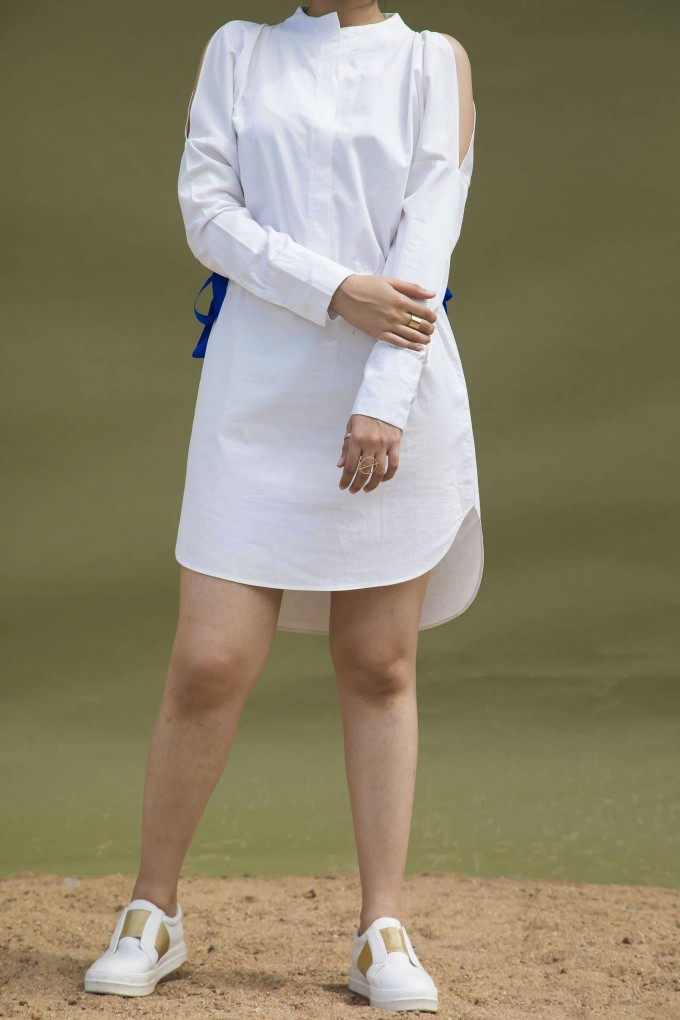 WHITE COLD SHOULDER SHIRT DRESS WITH BLUE RIBBONS