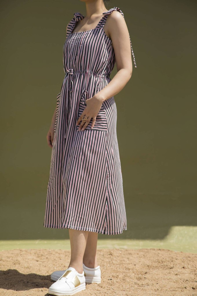 BLACK, RED AND WHITE STRIPED MIDI DRESS WITH SHOULDER TIE UP